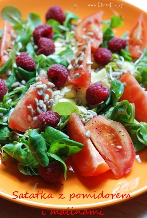 Sałatka z pomidorem i malinami