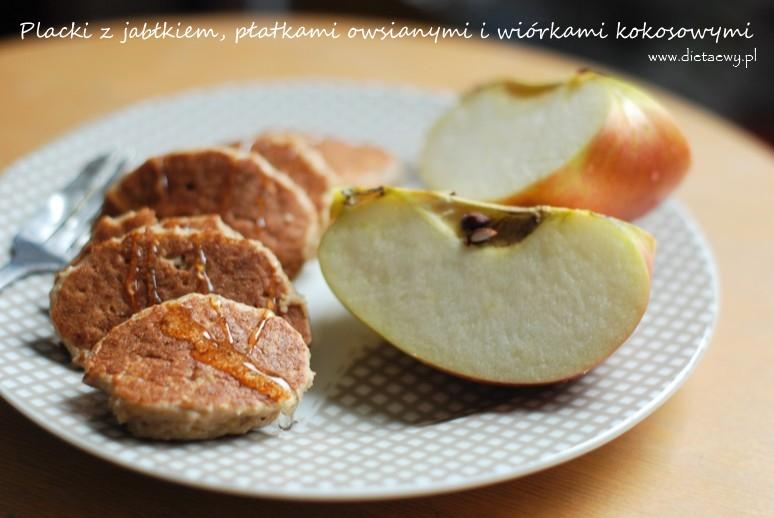 Placki z jabłkiem, płatkami owsianymi i wiórkami kokosowymi