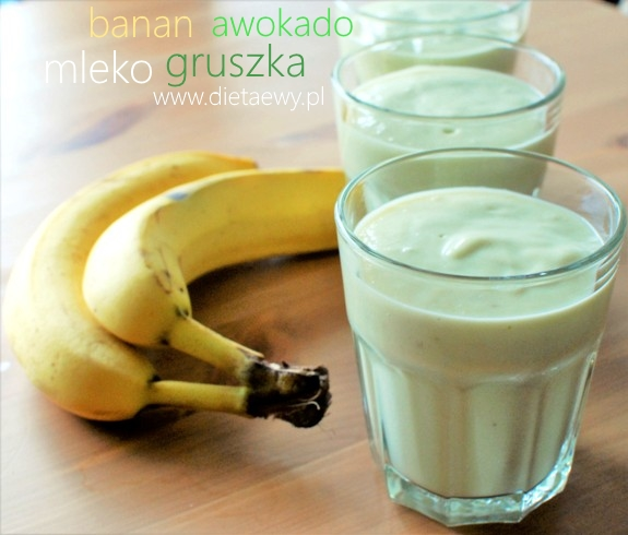 Koktajl bananowo-gruszkowo-kokosowy z awokado