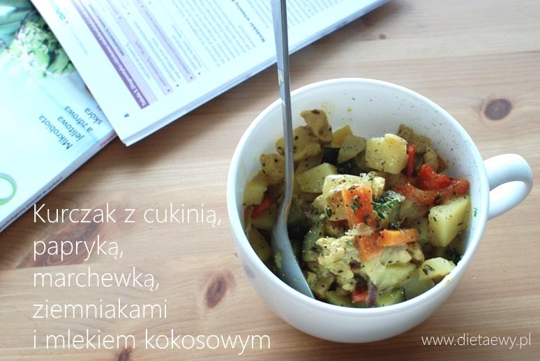 Kurczak z cukinią, papryką, marchewką, ziemniakami i mlekim kokosowym